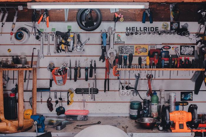 بررسی تعمیرات موتور سیکلت