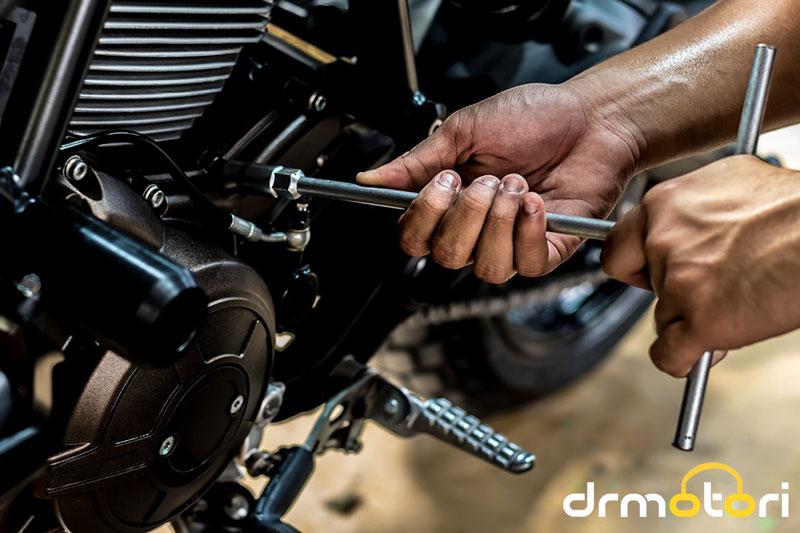 چند راهکار ساده برای حل مشکل روشن نشدن موتور سیکلت